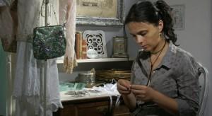 """Tworzenie oraz obcowanie z pięknem jest dla Alicji Radej, założycielki i właścicielki galerii Arte Ego, niezbędnym elementem życiowej harmonii.  Jej ulubione motto to cytat z Dostojewskiego """"Piękno zbawi świat""""."""