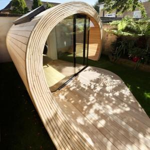 Architekci z Platform 5 wpadli na pomysł stworzenia falistej bryły obserwując kształt drewnianych trocin. Fot. Platform 5 architects.