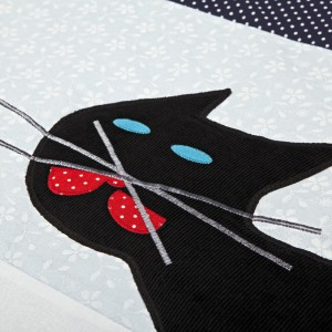 Bawełniana mata jest niezwykle łatwa do utrzymania w czystości, gdyż można prać ją w pralce. Fot. Igolo.pl.