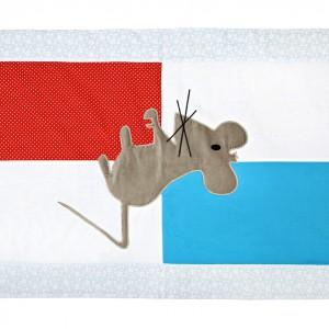 Dywanik Mysz idealnie pasuje do pokoju małej dziewczynki. Stanowi dobrą alternatywę dla syntetycznych chodników i alergizujących dywanów. Fot. Igolo.