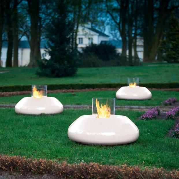 Ogień kontrolowany – biokominek w ogrodzie