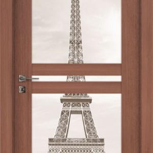 Motyw Wieży Eiffla jako wizualizacja dalekich podróży. Fot. Drzwi i podłogi VOX.
