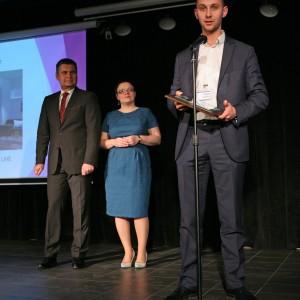 Wyróżnienie otrzymał system mebli kuchennych Vertigo Line (Fabryka Mebli Stolkar). Nagrodę odebrał Wojciech Krom, dyrektor handlowy w Fabryce Mebli Stolkar.