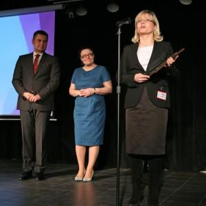 W podkategorii Wanny tytuł Dobry Design przypadł wannie wolno stojącej Palomba marki Laufen (Roca Polska). Na scenie nagrodę odbierała Iwona Kaleta, product manager marki Laufen.