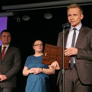Wyróżnienie w podkategorii Drzwi Wewnętrzne otrzymała ościeżnica z opaską Arco firmy Składy Vox. Nagrodę odebrał Arkadiusz Śmiłowski, dyrektor sprzedaży detalicznej w firmie Składy Vox.