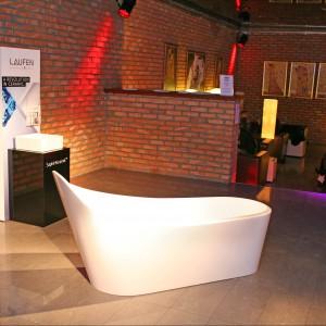 Miniwystawa partnerów Forum Dobrego Designu - marek Laufen i Ceramika Paradyż. Można było tu zobaczyć m.in.nagrodzoną tytułem Dobry Design wannę Palomba marki Laufen.