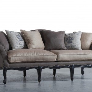 Sofa marki  Dialma Brown.