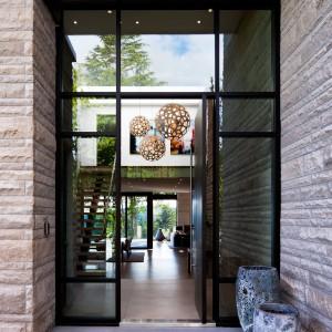Wnętrze ma nowoczesny, luksusowy charakter. Fot. Brandon Barre.