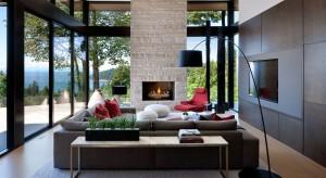 Ten imponujący dom znajdujący się w Vancouver to najlepszy dowód, że wnętrze zaprojektowane w noczesnym stylu może być jednocześnie przytulne i pełne ciepła.