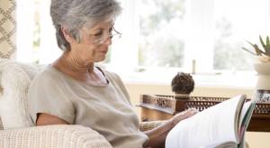 Pomieszczenia przeznaczone dla starszych osób powinny być tak zaprojektowane, aby codzienne czynności nie sprawiały kłopotu, a korzystanie z nich było bezpieczne, łatwe i wygodne. Przedstawiamy kilka rzeczy na które warto zwr&a