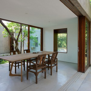 Dom-ogród zachwyca idealną harmonią z otoczeniem. Fot. Sebastian Zachariah.