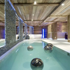 Basen. Fot. Chalet Eden Courchevel.
