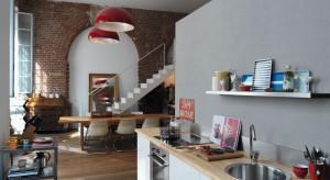Zlewozmywaki wykonane ze stali się estetyczne, funkcjonalne i trwałe. Sprawdź, czy będą pasowały również do twojej kuchni.