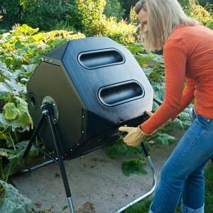 Fot. Lifetime\'s New 65-Gallon Composter.