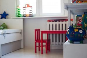 Pokój dziecięcy.Właścicielka konsekwentnie zakochana w twórczości Pieta Mondriana. Marzyła by jej mieszkanie na każdym kroku odzwierciedlało jego sztukę
