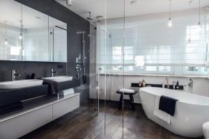 Dom w stylu skandynawskim - łazienka.