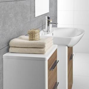 Zestaw mebli łazienkowych z umywalką, Grupa Armatura.