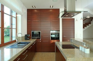 Kuchnia - połączenie drewna z kamieniem