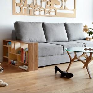 Sofa oraz stolik Łoś. Fot. Tabanda.