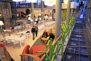 Food court w gliwickiej Galerii Forum.
