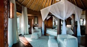 Są wnętrza jakby stworzone dla zakochanych. Jednym z nich jest z pewnością ten wyjątkowy dom w Republice Południowej Afryki. Czy jest ktoś, kto nie chciałby się tu dzisiaj znaleźć?