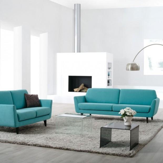 Turkusowa sofa w sam raz na wiosnę