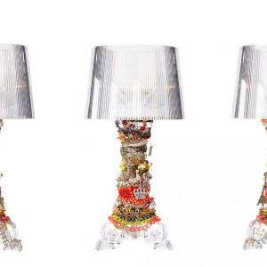 Philippe Starck ozdobił lampę bogatymi dekoracjami. Proj.Philippe Starck.Fot. Kartell.