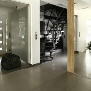 Projektantka wytycza nową ścieżkę ku idealnemu rozwiązaniu w zakresie organizacji domowych przestrzeni.  Fot. Marcin Onufryjuk.