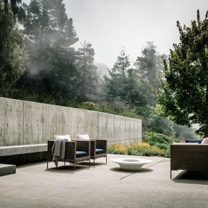Projektanci postawili na prostotę i nowoczesne materiały, wśród których króluje drewno i beton. Fot. Fougeron Architecture.