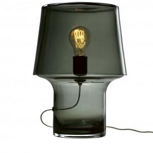 lampa wykonana z przezroczystego, przydymionego szkła. Wysokość 32 cm, średnica 24 cm .Proj. Harri Koskinen. Fot. Mutto / PufaDesign.