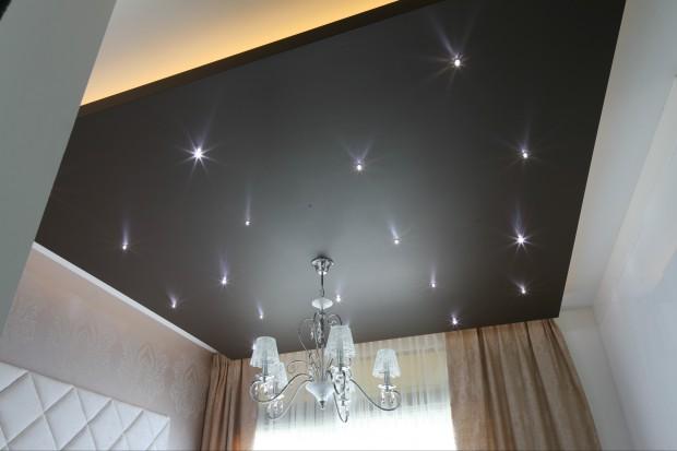 Elegancka sypialnia pod gwiazdami