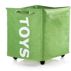 Pojemnik na zabawki Toys wyposażony w kółeczka. Cena: 69 zł, sprzedaż: Home&You.