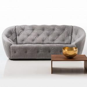Pikowana dwuosobowa sofa z kolekcji Individuals. Fot. Brühl.