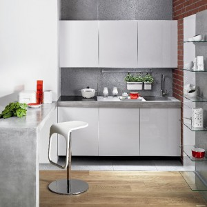 Beton architektoniczny jako okładzina na kuchenną ścianę. Fot. Morgan&Möller.