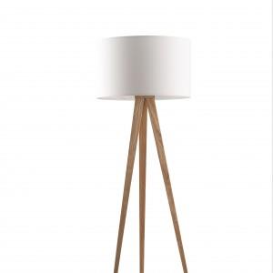 Elegancka w swojej prostocie lampa podłogowa Tripod Wood marki Zuiver. Cena: 999 zł, sprzedaż: Czerwona Maszyna.