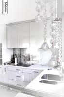 Białe mieszkanie - kuchnia.