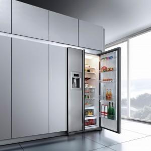 Chłodziarko-zamrażarka NF650 z funkcją kontroli temperatury i nowoczesnym systemem chłodzenia. Posiada elektroniczny panel sterujący z wyświetlaczem LCD, system kontroli temperatury Fuzzy Logic, automatyczne rozmrażanie, No Frost oraz funkcję szybkiego zamrażania i chłodzenia. Pojemność całkowita: 526 l. Klasa energetyczna A+. 7.999 zł, Teka.