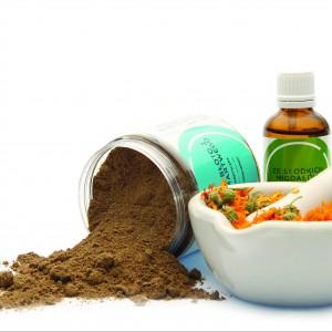 W domowym Spa można przygotować okłady i kąpiele z algami, solą i błotem z morza martwego,  z kwiatami nagietka, aromatycznymi olejkami eterycznymi a na koniec nałożyć na ciało olej migdałowy. Ecospa