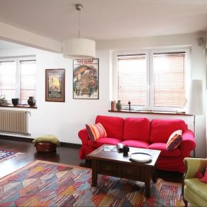 W tym wnętrzu współczesna wygoda łączy się z nienaganną elegancję tradycyjnych elementów wyposażenia, nawiązujących do ciepła rodzinnego domu. Fot. Bartosz Jarosz.