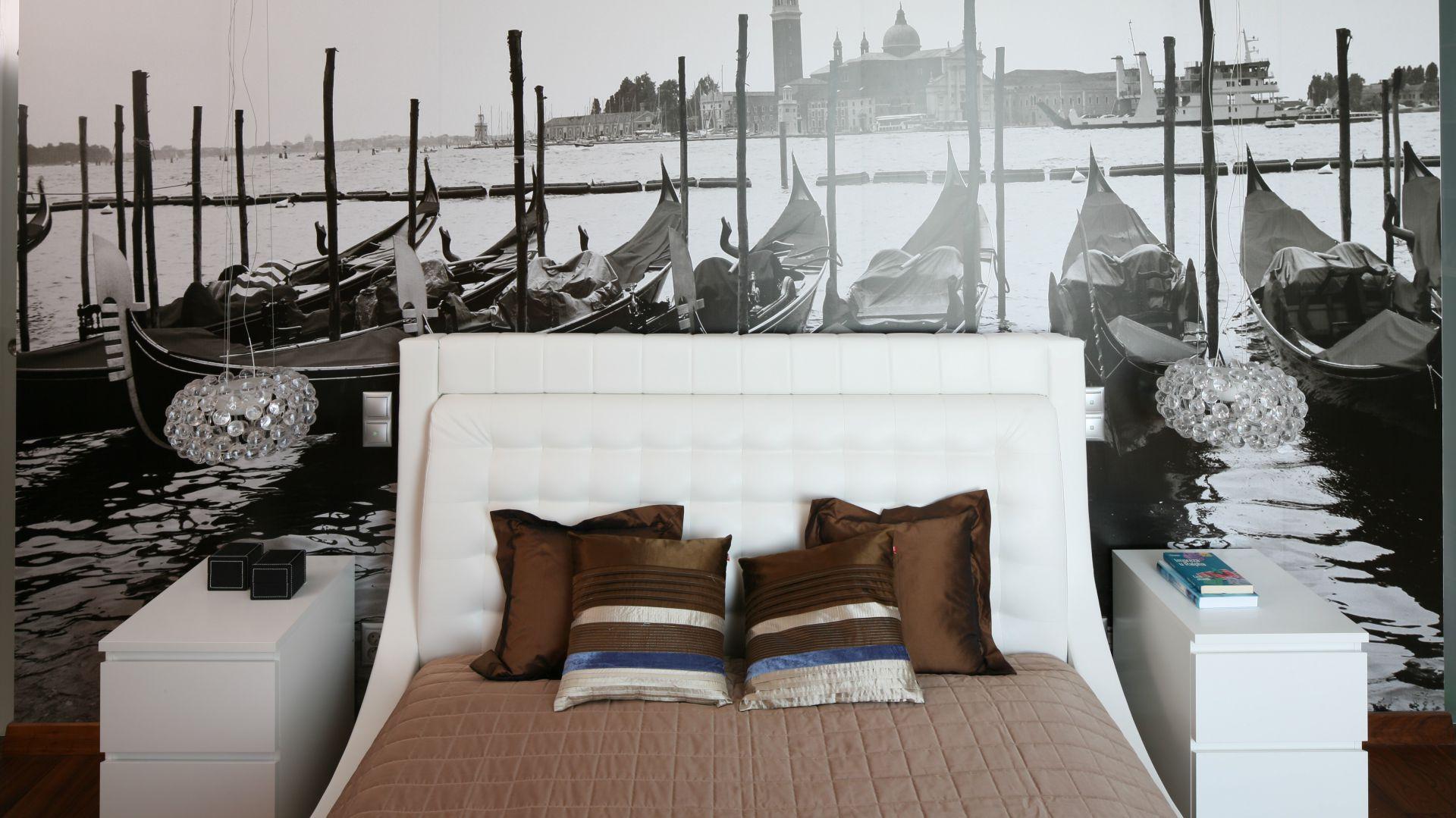 Czarno – biała fototapeta z widokiem na Wenecję. Proj. Anna Maria Sokołowska. Fot. Bartosz Jarosz.