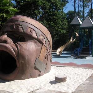 Przyhotelowy plac zabaw w Coronado Springs. Fot. Hotels About