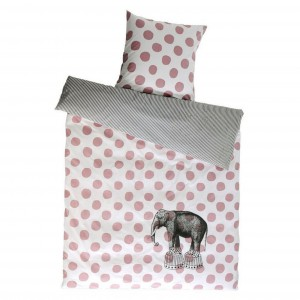 Pościel z motywem słonia. Fot. Home Candy.