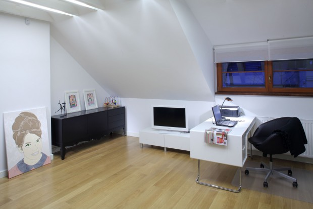 Biuro na poddaszu. Wygoda i ergonomia