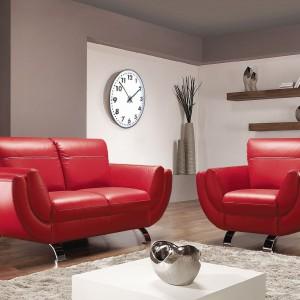 Sofa i fotel Lexus w czerwonej skórze. Fot. Bydgoskie Meble.