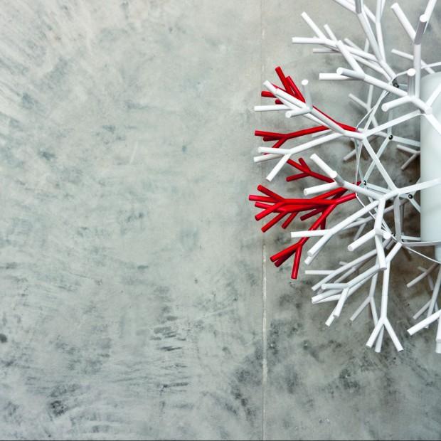 Efekt betonu na ścianie: osiągniesz go dzięki tynkowi dekoracyjnemu