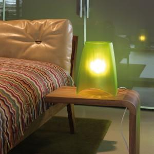 Przezroczysta lampa Mood to oryginalna forma wykonana z tworzywa sztucznego. Fot. Koziol / CzerwonaMaszyna.