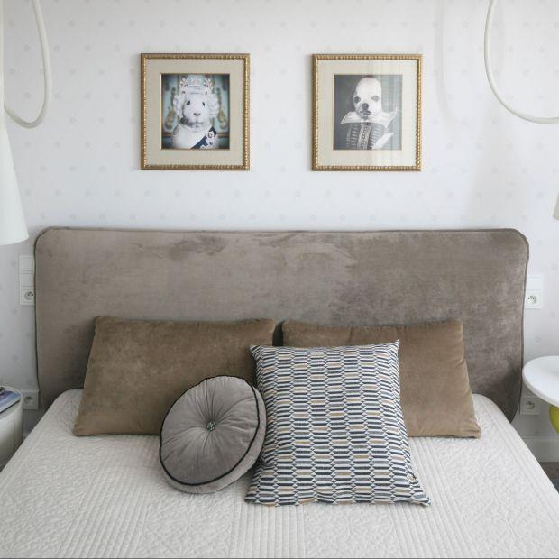 Nowoczesna sypialnia z charakterem: tapicerowane łóżko