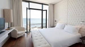 <br />Inspiracje do projektowania i aranżacji sypialni możemy czerpać z wielu miejsc. Przygotowaliśmy 25 interesujących, hotelowych sypialni z r&oacute;żnych zakątk&oacute;w świata. <br /><br />
