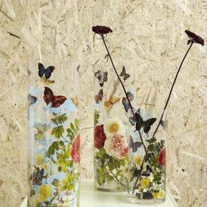 Szklany wazon Flower dostępny w dwóch rozmiarach. Fot.Nordal/ LOFTbar.