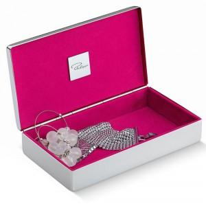 Eleganckie pudełko na biżuterię wykonane  z niklu. Fot. Philippi Pad / CzerwonaMaszyna.